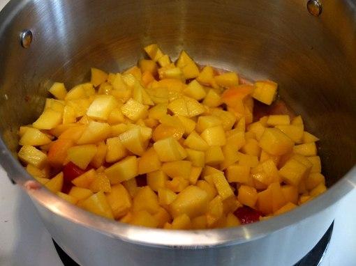 dice-peaches